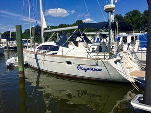 Used Wauquiez Pilot Saloon 41 Deck Saloon Sailboat For Sale