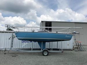 Used Catalina 22 Capri Daysailer Sailboat For Sale