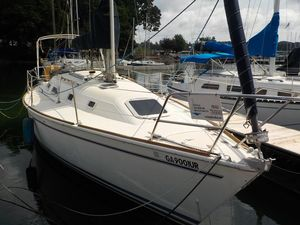 Used Pearson 31-2 Cruiser Sailboat For Sale