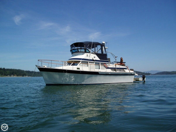 Used Tollycraft Tri-Cabin Aft Cabin Boat For Sale