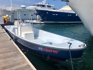 Used Angler Diesel Panga Center Console Fishing Boat For Sale