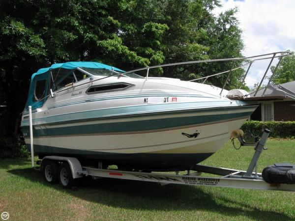 Used Thompson 225 Daytona Express Cruiser Boat For Sale