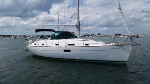 Used Beneteau 36 Center Cockpit Cruiser Sailboat For Sale