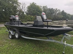 New Lowe Roughneck 1860 Pathfinder HEAVY DUTY .125 Gauge Hull Jon Boat For Sale