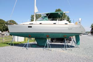 Used Beneteau Oceanis 36 CC Racer and Cruiser Sailboat For Sale