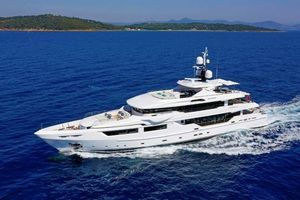 Used Admiral Maxima 47 Motor Yacht For Sale