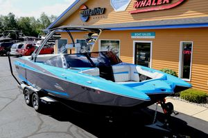 Used Malibu Wakesetter 24 MXZWakesetter 24 MXZ Ski and Wakeboard Boat For Sale