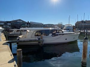 New Greenline 40 Trawler Boat For Sale