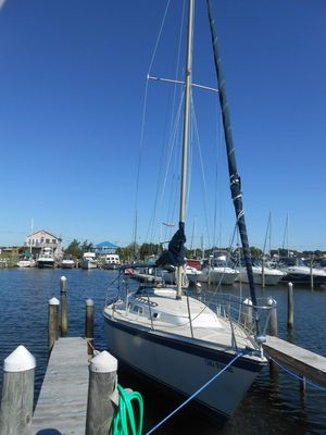 Used O'day 28 Sloop Daysailer Sailboat For Sale