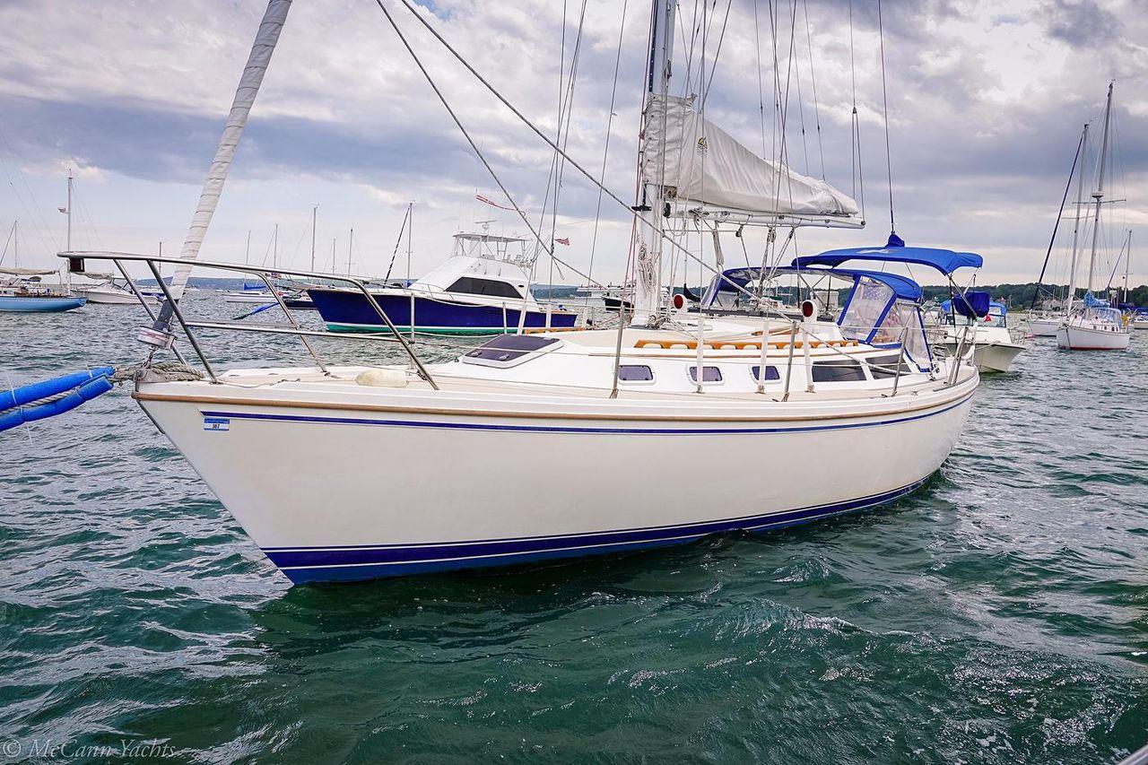 1988 used catalina 34 racer and cruiser sailboat for sale 42 500 rh moreboats com Catalina 34 Mkii Review Catalina 27 Sailboat