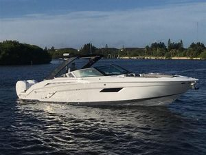 New Cruisers 338 Bowrider Boat For Sale