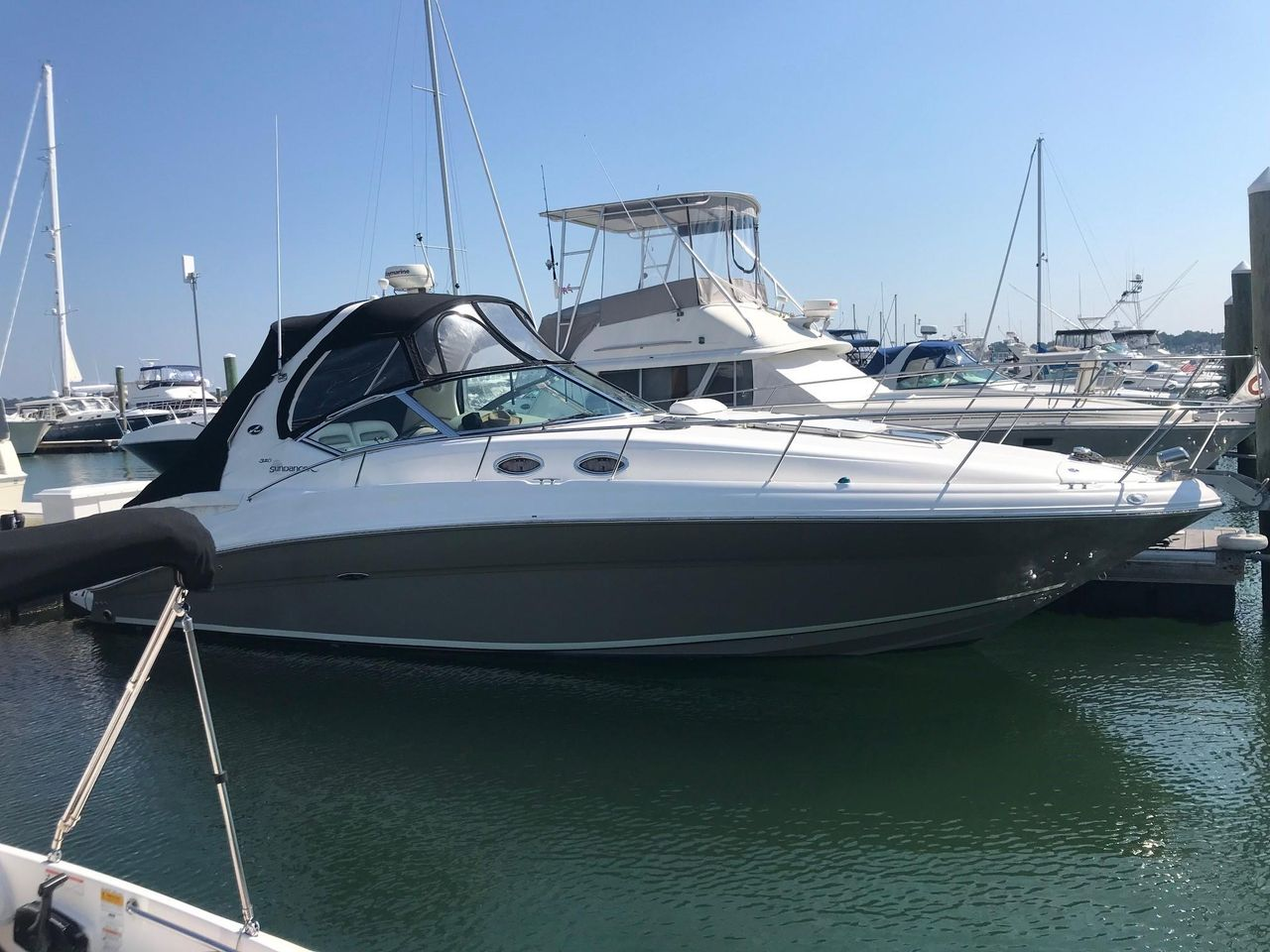 2006 Used Sea Ray 320 Sundancer Sports Cruiser Boat For Sale