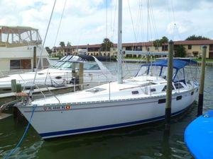 Used Hunter Legend 35.5 Cruiser Sailboat For Sale
