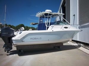 Used Robalo 265 WA Center Console Fishing Boat For Sale