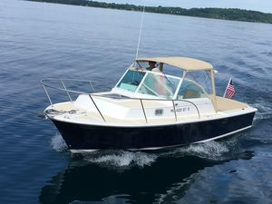 Used Hunt Yachts Surfhunter Cuddy Cabin Boat For Sale