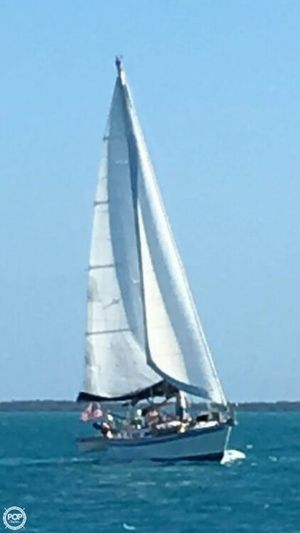 Used Endeavour 42CC Racer and Cruiser Sailboat For Sale