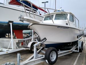Used Parker 2320 Sport Cabin Sports Fishing Boat For Sale