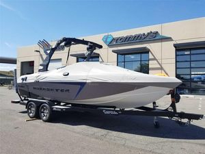 Used Malibu 22 VLX22 VLX Ski and Wakeboard Boat For Sale