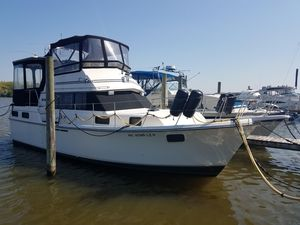 Used Carver 36 Aft Cabin Motor Yacht For Sale