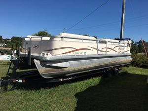 Used Godfrey Sweetwater 2423sc Pontoon Boat For Sale