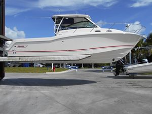 New Boston Whaler 315 Conquest Sports Fishing Boat For Sale