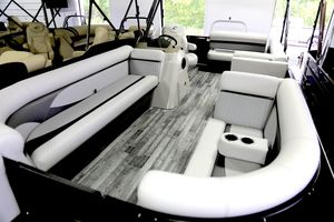 New Crest II 230 SLSCrest II 230 SLS Pontoon Boat For Sale