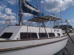 Used Cal 3-46 Center Cockpit Ketch Center Cockpit Sailboat For Sale