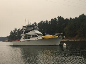 Used Tollycraft Sedan Bridge Motor Yacht For Sale