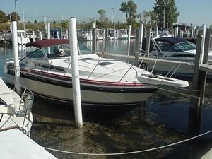 Used Wellcraft 32 ST Tropez Express Cruiser Boat For Sale