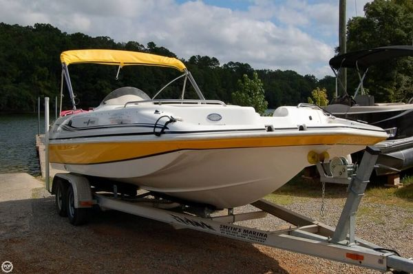 Used Hurricane 201 Sundeck Sport Deck Boat For Sale