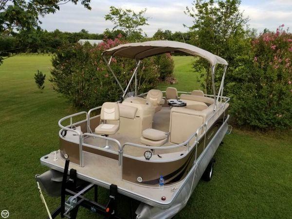Used Godfrey Pontoon Sweetwater 2086FC4 Pontoon Boat For Sale