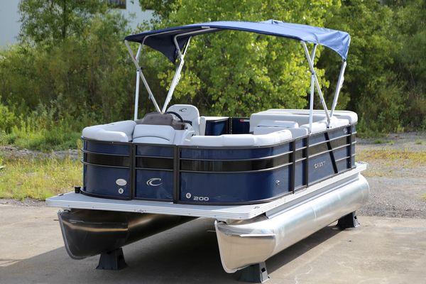Used Crest 1 200 L1 200 L Pontoon Boat For Sale