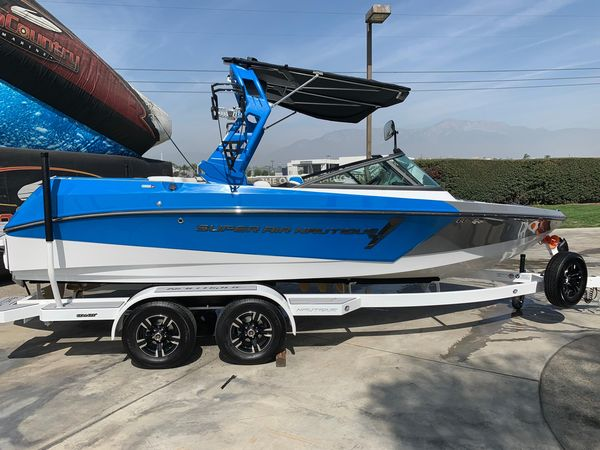 New Nautique Super Air Nautique 210Super Air Nautique 210 Ski and Wakeboard Boat For Sale