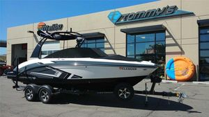 Used Chaparral 223 VRX223 VRX Ski and Wakeboard Boat For Sale