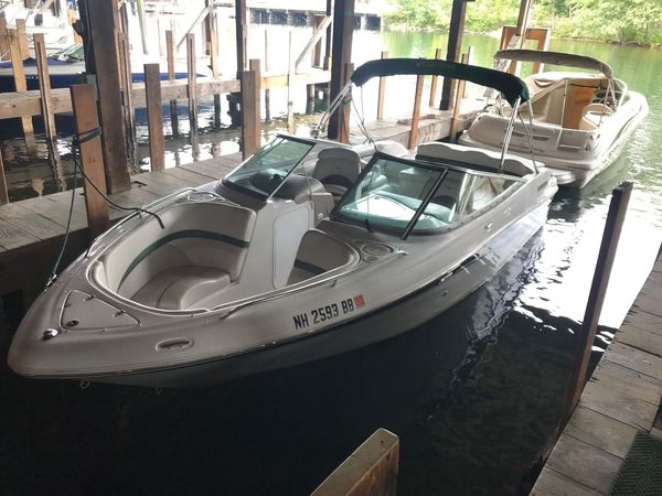Used Four Winns 220BR220BR Bowrider Boat For Sale