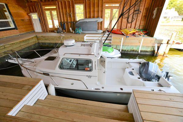 Used Parker 2120 Sport Cabin2120 Sport Cabin Saltwater Fishing Boat For Sale