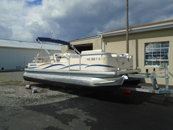 Used Sweetwater 2222 DF2222 DF Pontoon Boat For Sale