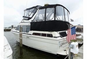Used Tollycraft 34 sundeck Aft Cabin Boat For Sale
