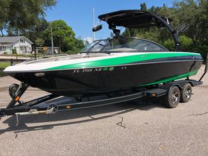 Used Malibu VLX WAKESETTERVLX WAKESETTER Ski and Wakeboard Boat For Sale