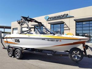 Used Axis Research Core Series A20Research Core Series A20 Ski and Wakeboard Boat For Sale