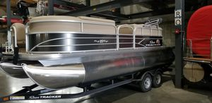 New Sun Tracker PARTY BARGE 20 w/ mercury 90 elpt 4 stroke CT CharcoalPARTY BARGE 20 w/ mercury 90 elpt 4 stroke CT Charcoal Pontoon Boat For Sale