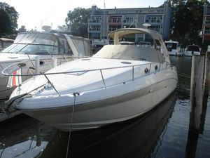 Used Sea Ray T-TVD 350 MAG MPIT-TVD 350 MAG MPI Cruiser Boat For Sale