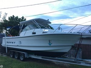 Used Trophy 2802 DX Walkaround Fishing Boat For Sale
