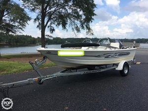 Used Triumph 170 DC Runabout Boat For Sale