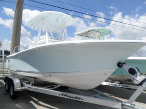 New Sea Hunt Ultra 211Ultra 211 Center Console Fishing Boat For Sale