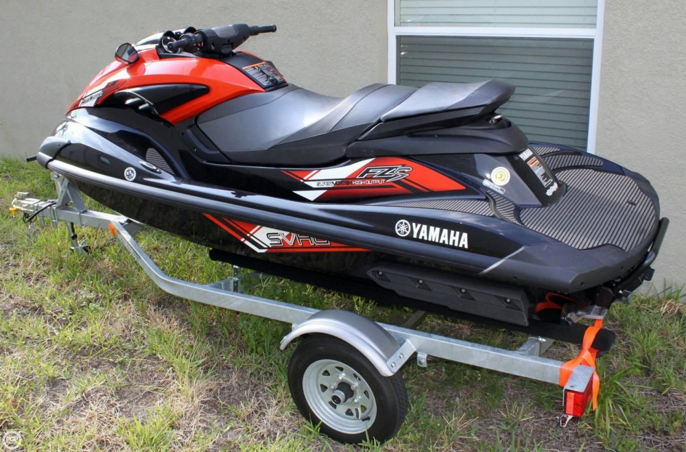 Cheap Used Jet Skis For Sale >> 2014 Used Yamaha 11 Waverunner Fzs Personal Watercraft For Sale