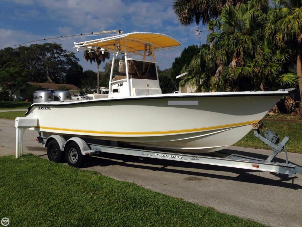 1999 used sea strike 240 cc center console fishing boat for Used center console fishing boats for sale