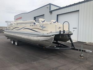 Used Sweetwater 2423DL2423DL Pontoon Boat For Sale