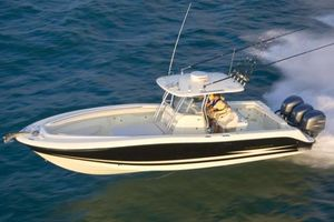 Used Hydra-Sports 3300 CC3300 CC Saltwater Fishing Boat For Sale