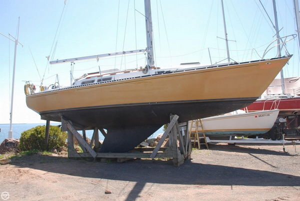 Used C & C Yachts 35 SL Sloop Sailboat For Sale